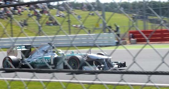 Nico Rosberg Makes it 4 in a row